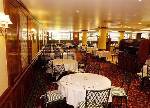 Tables Gran Bufet Restaurant Mercure Prestigi Hotels Andorra