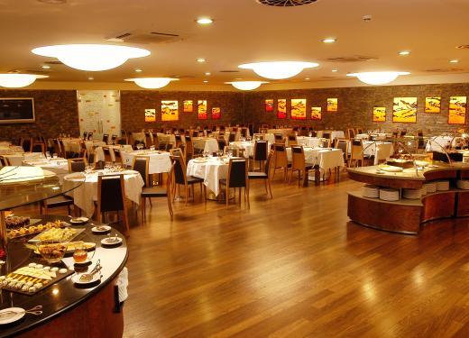 Gran Bufet Restaurant Hotel Novotel Prestigi Hotels Andorra