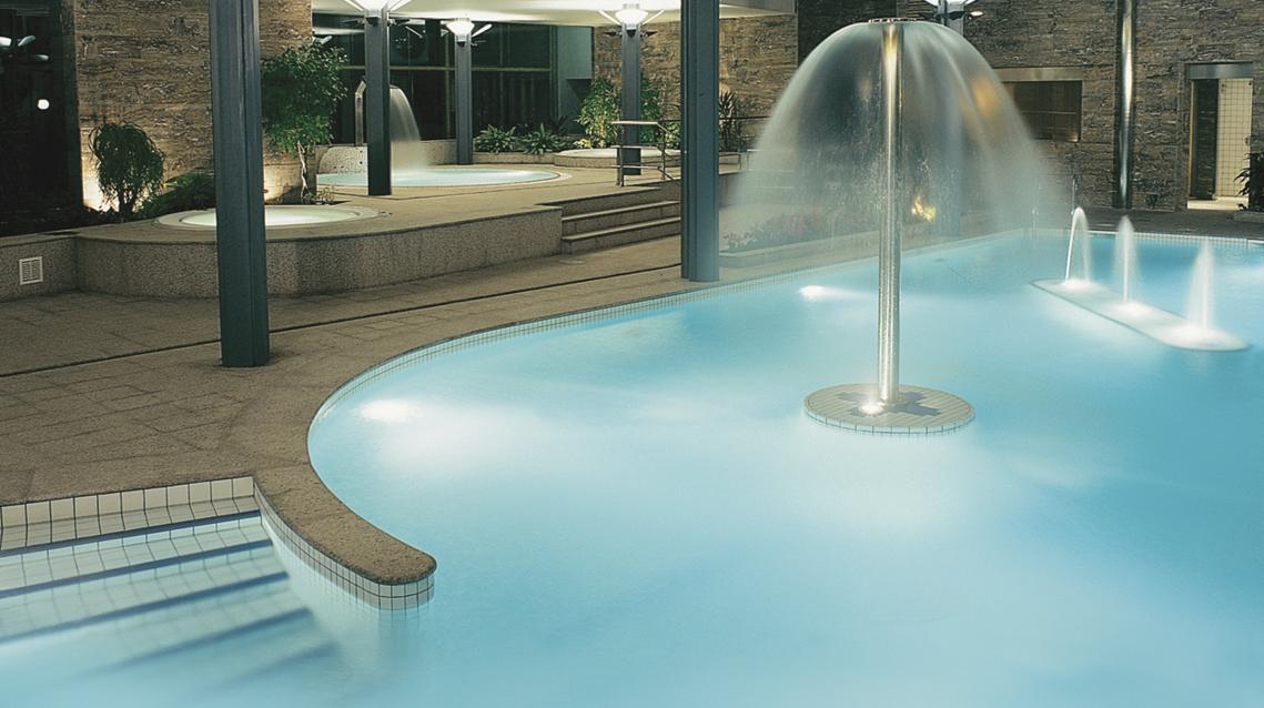 Swimming pool details Hotel Novotel Prestigi Hotels Andorra