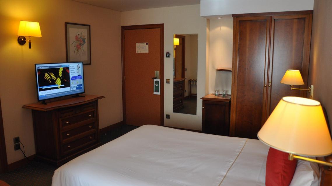 Habitación matrimonio Hotel Mercure Andorra